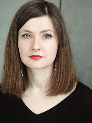 """Olga Grjasnowa, b. 1984 in Baku, Azerbaijan, is a German writer. She grew up in the Caucasus and spent longer sojourns in Poland, Russia, Israel and Turkey. She studied dance studies in Berlin, where she currently lives. Recently published: Der verlorene Sohn, 2020. """"Olga Grjasnowa has written THE novel of the times, well informed, surprisingly light-footed and thrilling."""" RBB Inforadio"""