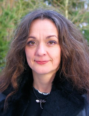 Theresa Schillab is an educational scientist at Aarhus University. Her specialist research interests are the philosophy of science, communicative behaviour and the neurosciences.